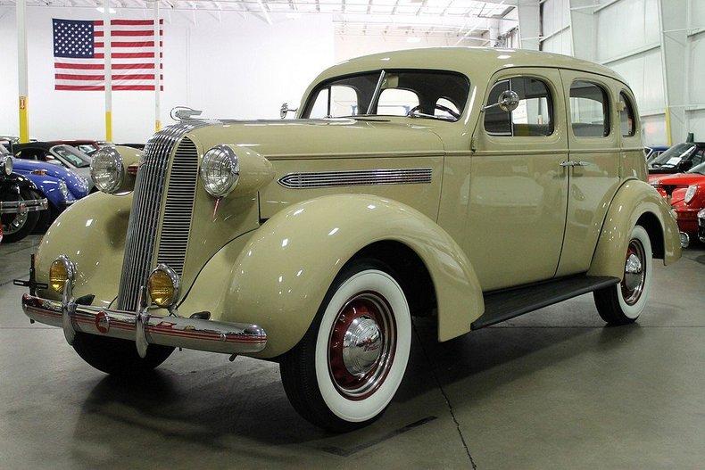 Tan 1936 pontiac silverstreak for sale mcg marketplace for 1932 oldsmobile 4 door