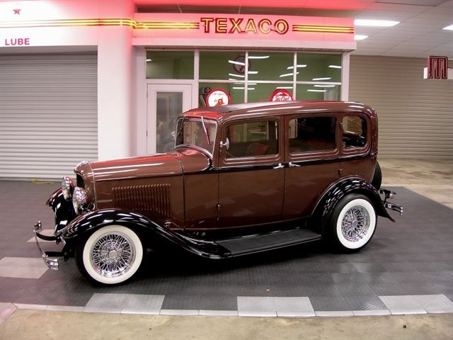 Brown 1932 ford sedan for sale mcg marketplace for 1932 ford 4 door for sale