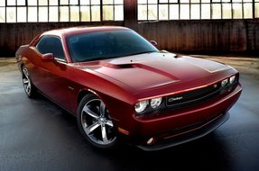 4094_2014-dodge-challenger-100th-anniversary-edition-02-796x528_small