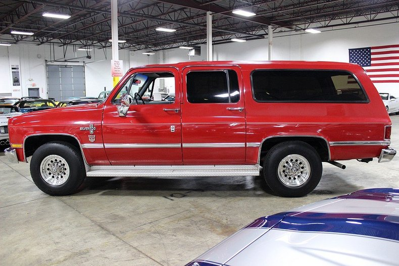 1988 Chevrolet Suburban R20 Post Mcg Social