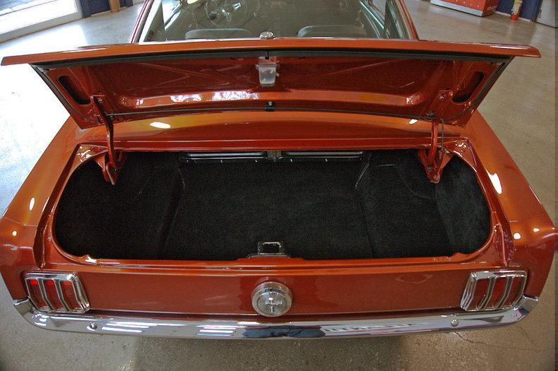 Myclassicgarage car mcg social for Garage seat valence