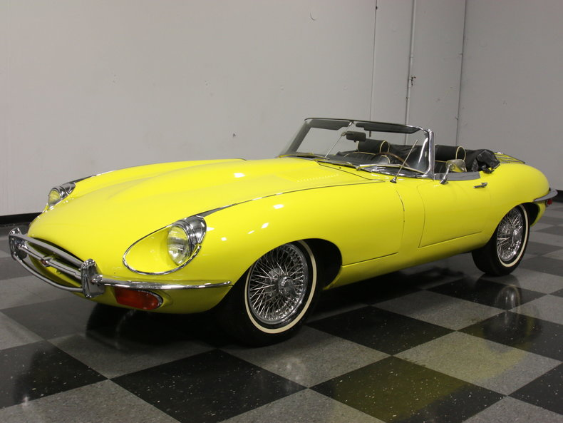 yellow 1969 jaguar xke for sale mcg marketplace. Black Bedroom Furniture Sets. Home Design Ideas
