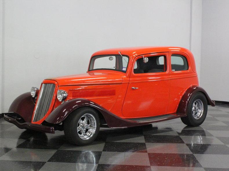 Hugger orange 1933 ford vicky for sale mcg marketplace for Garage ford orange