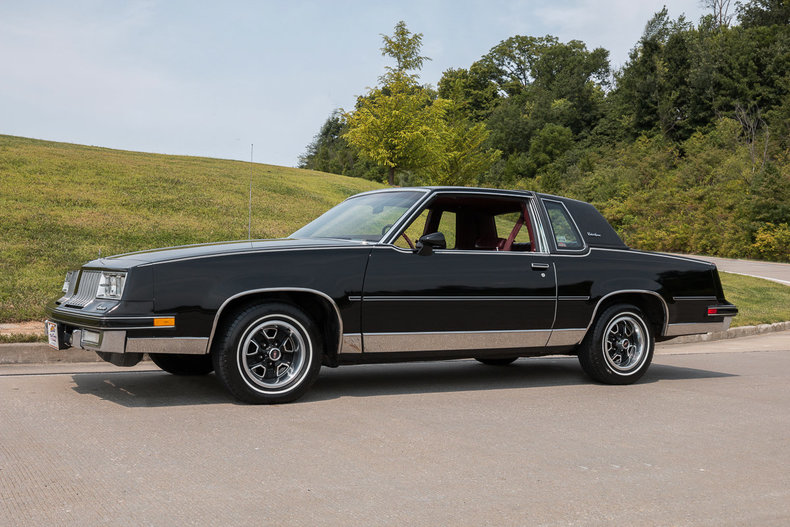 1984 Oldsmobile Cutlass Supreme Post Mcg Social