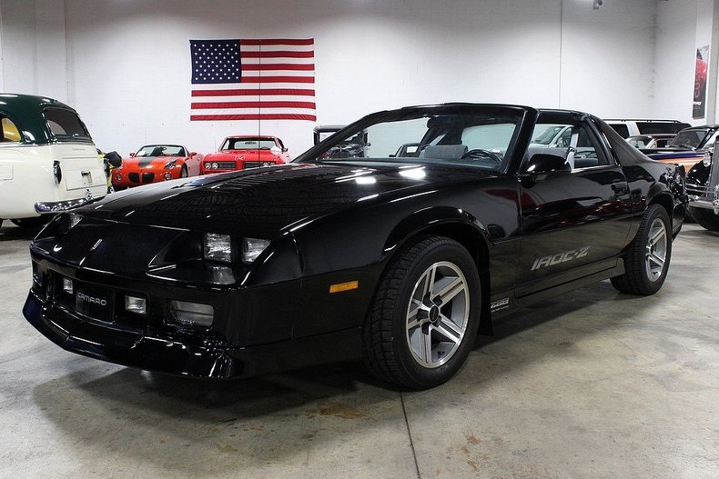 black 1986 chevrolet camaro iroc z 28 for sale mcg. Black Bedroom Furniture Sets. Home Design Ideas