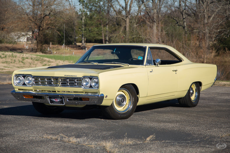 saturn yellow 1968 plymouth road runner for sale mcg. Black Bedroom Furniture Sets. Home Design Ideas