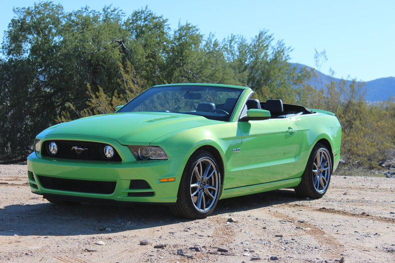 gotta have it green 2013 ford mustang gt for sale mcg marketplace. Black Bedroom Furniture Sets. Home Design Ideas