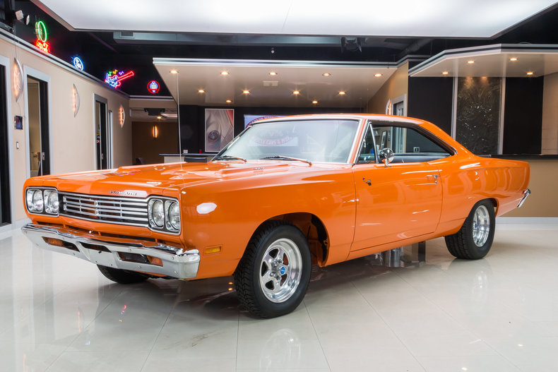 Orange 1969 plymouth road runner for sale mcg marketplace for Garage auto orange