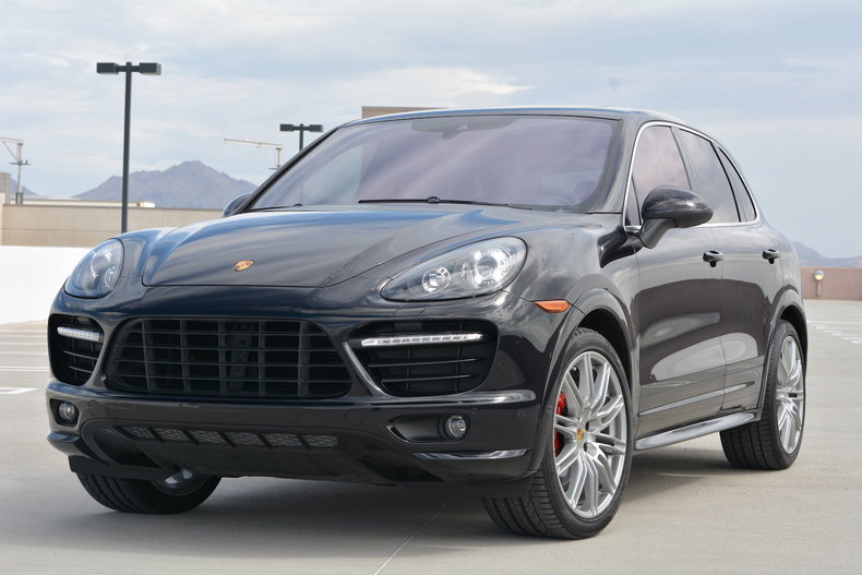 jet black metallic 2014 porsche cayenne gts for sale mcg marketplace. Black Bedroom Furniture Sets. Home Design Ideas