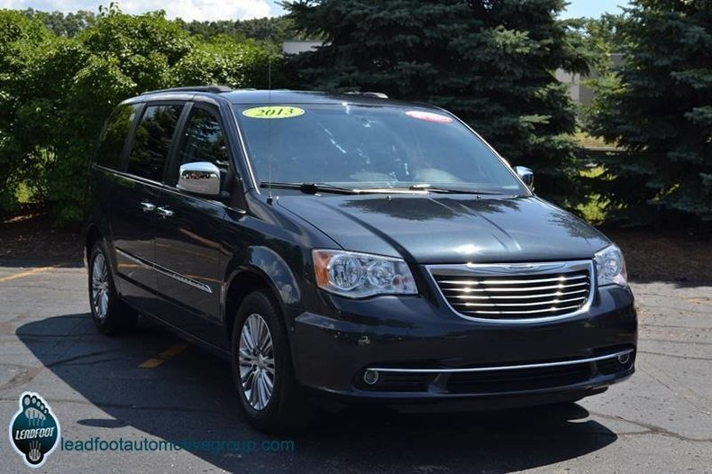 maximum steel metallic clearco 2013 chrysler town and country for sale mcg marketplace. Black Bedroom Furniture Sets. Home Design Ideas
