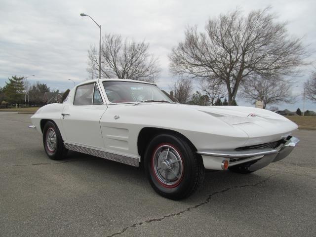1963 chevrolet corvette split window post mcg social for 1967 split window corvette for sale