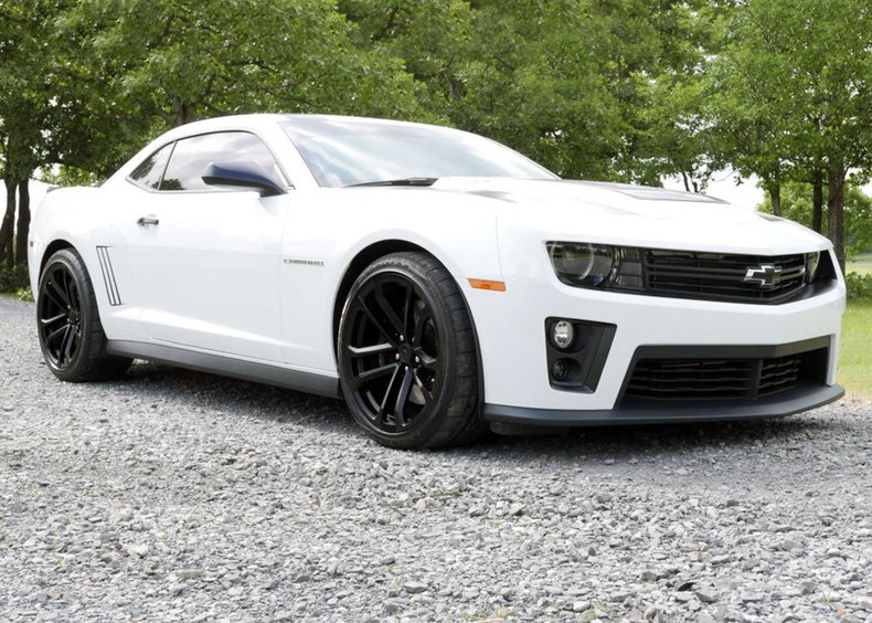 white 2013 chevrolet camaro zl1 for sale mcg marketplace. Black Bedroom Furniture Sets. Home Design Ideas