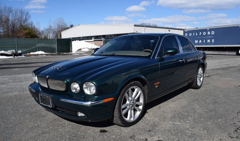 british racing green 2004 jaguar xjr for sale mcg. Black Bedroom Furniture Sets. Home Design Ideas