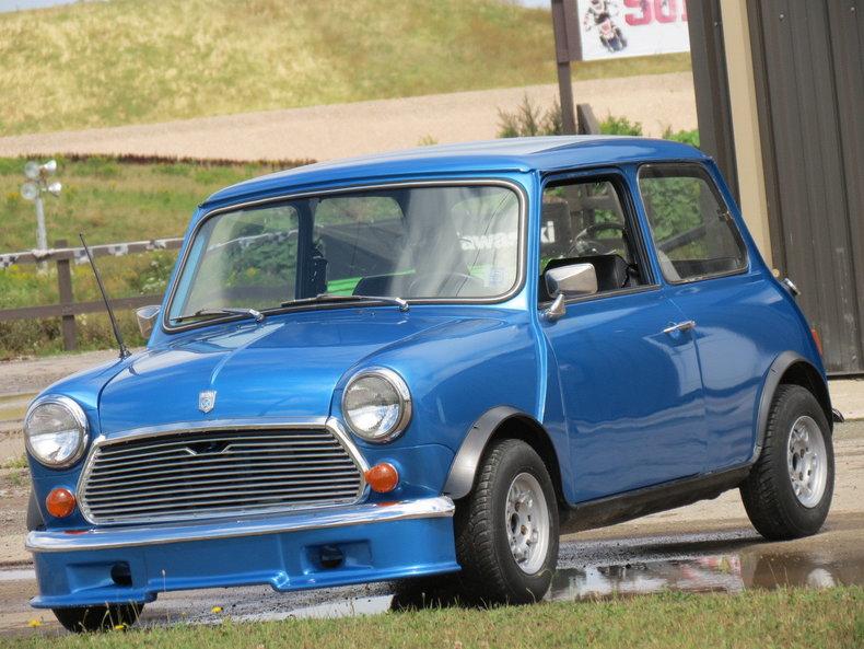Blue metallic 1977 austin mini cooper maranello for sale for Garage austin mini