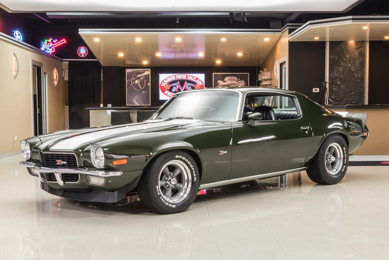 dark green 1971 chevrolet camaro z28 for sale mcg. Black Bedroom Furniture Sets. Home Design Ideas