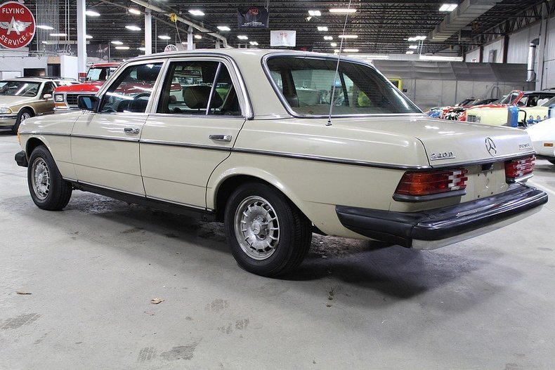 1982 mercedes benz 240d post mcg social for Mercedes benz grand rapids