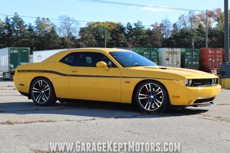 stinger yellow 2012 dodge challenger for sale mcg marketplace. Black Bedroom Furniture Sets. Home Design Ideas