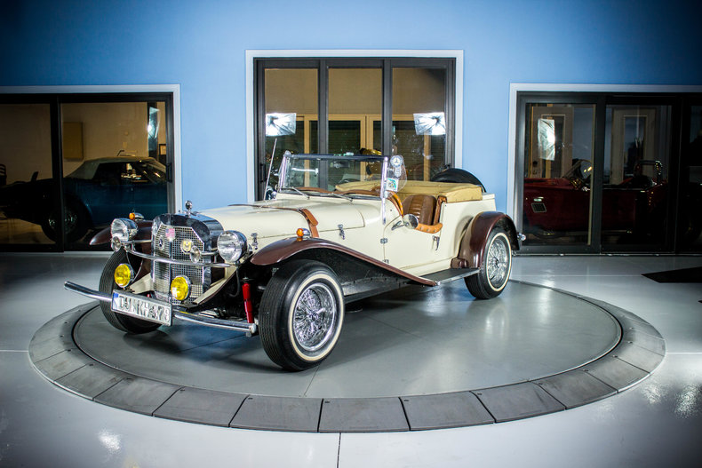 Brown cream 1929 mercedes benz gazelle for sale mcg for Garage mercedes bron