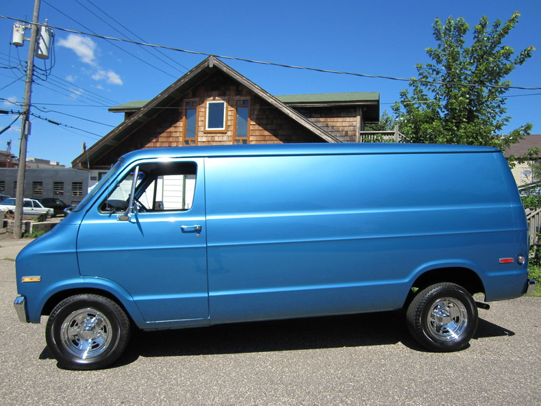 blue metallic 1975 dodge b200 for sale mcg marketplace. Black Bedroom Furniture Sets. Home Design Ideas